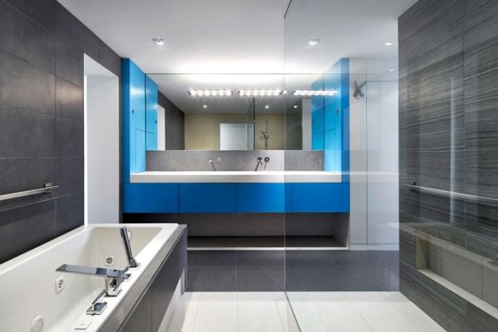 salle de bain grise et bleue. Black Bedroom Furniture Sets. Home Design Ideas