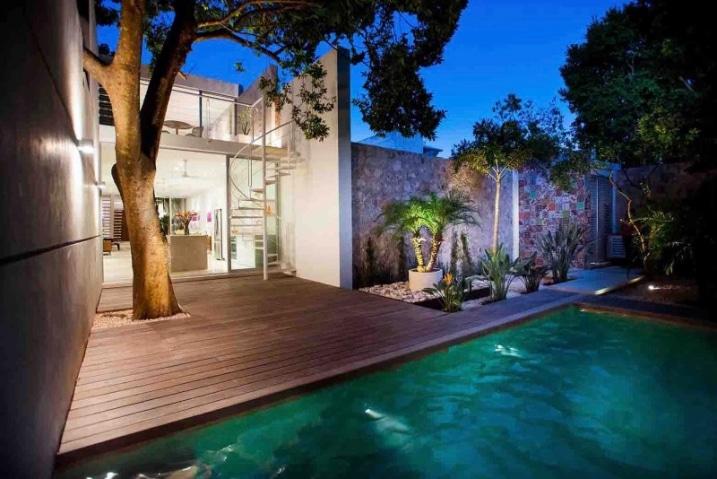 terrasse bois avec arbre inscrust. Black Bedroom Furniture Sets. Home Design Ideas