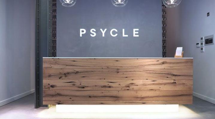 Mobilier bois accueil fauteuils tables desk bureaux réception
