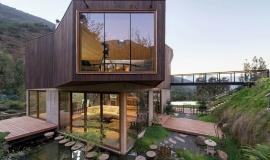 Maison avec bassin écologique