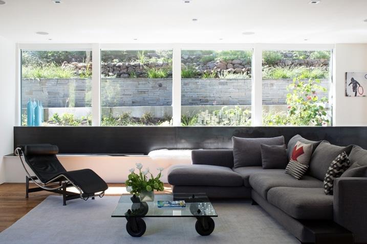 maison contemporaine avec rooftop et int rieur moderne. Black Bedroom Furniture Sets. Home Design Ideas
