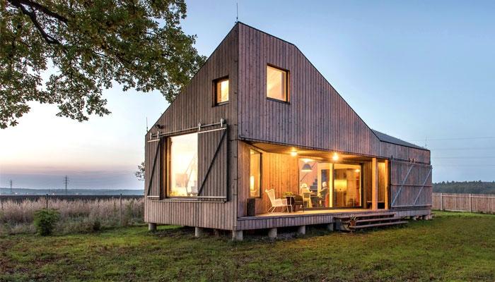 Maison contemporaine en bois avec une forme originale - Maison originale bagnato architecte ...