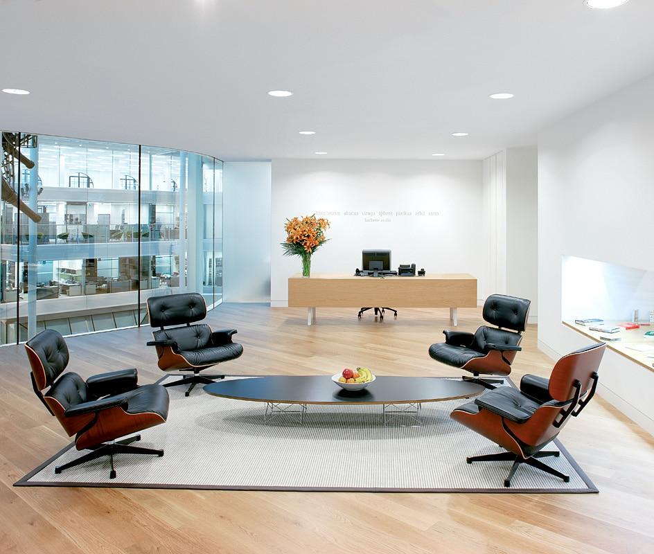 D corer son salon avec un fauteuil lounge eames for Acheter vitra