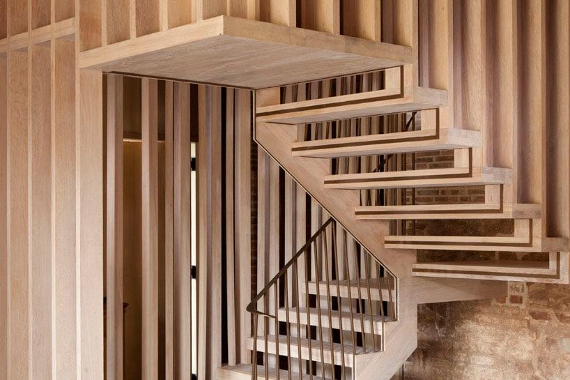 Escalier contemporain bois