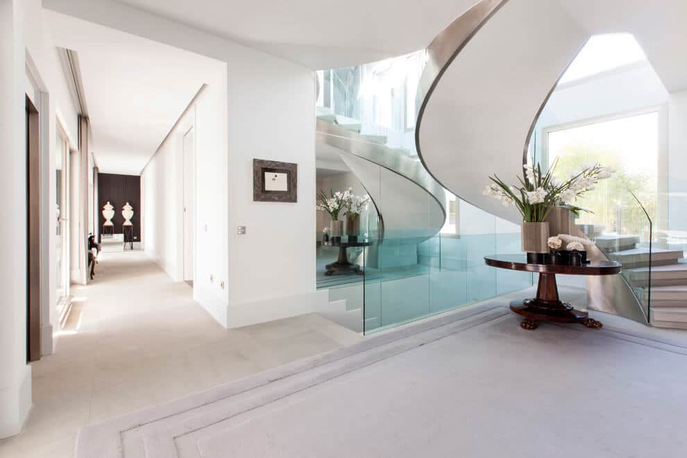escalier luxueux. Black Bedroom Furniture Sets. Home Design Ideas