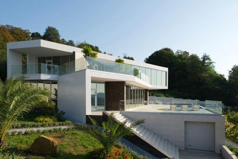 Maison blanche ultra design et lumineuse for Maison design