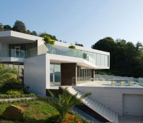 Maison design spacieuse