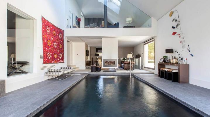 Maison De Luxe Avec Piscine Interieure Et Exterieure