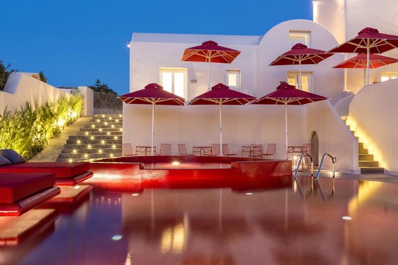 Hotel rouge et blanc Grèce