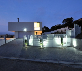 les plus belles maisons contemporaines id es exemples de maisons contemporaines. Black Bedroom Furniture Sets. Home Design Ideas