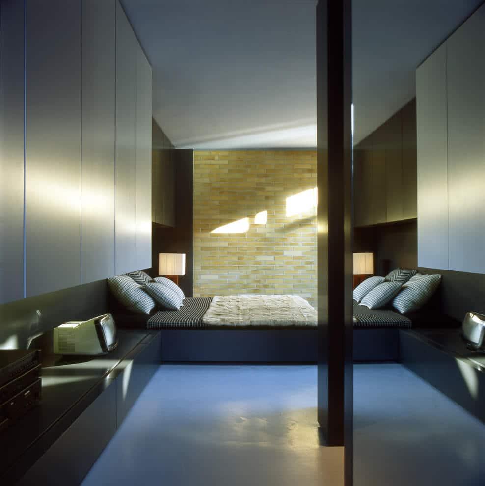 Chambre avec lit bas