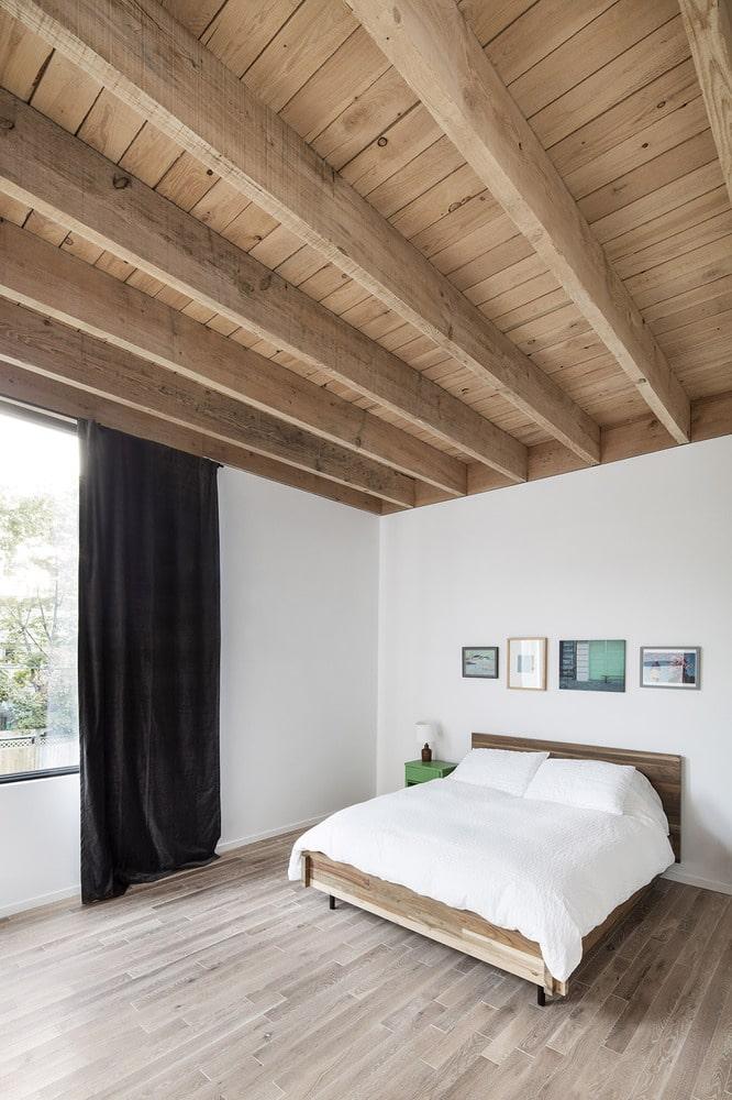 chambre avec poutres apparentes. Black Bedroom Furniture Sets. Home Design Ideas