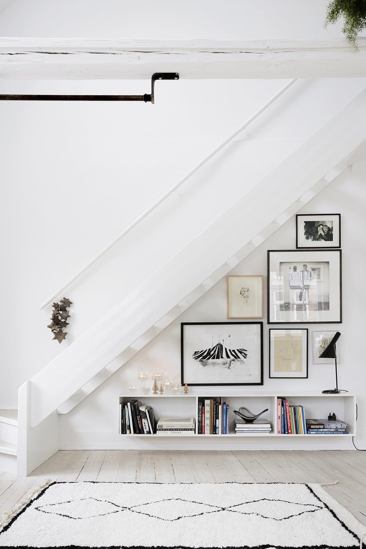 escalier bois blanc