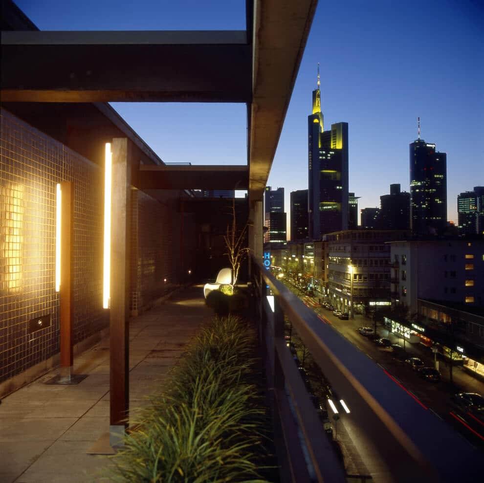 Terrasse penthouse avec végétation