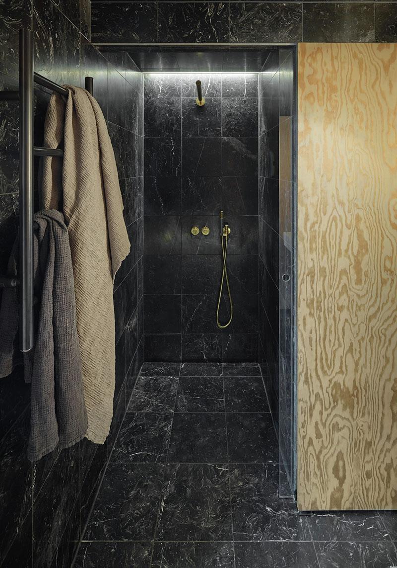 Douche italienne marbre noir - Douche italienne noire ...
