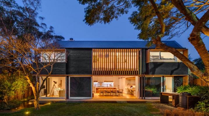 r novation d 39 une ferme contemporaine en bois avec de. Black Bedroom Furniture Sets. Home Design Ideas