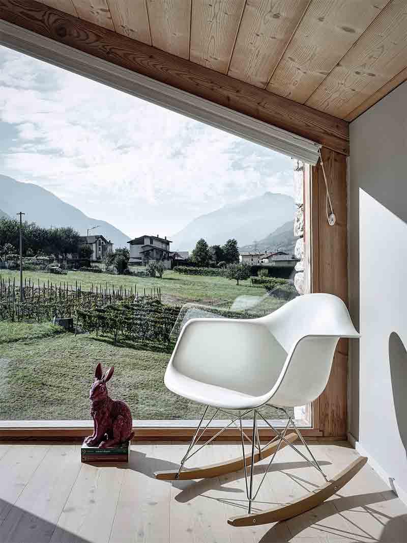 chaise-eames-rar-blanche