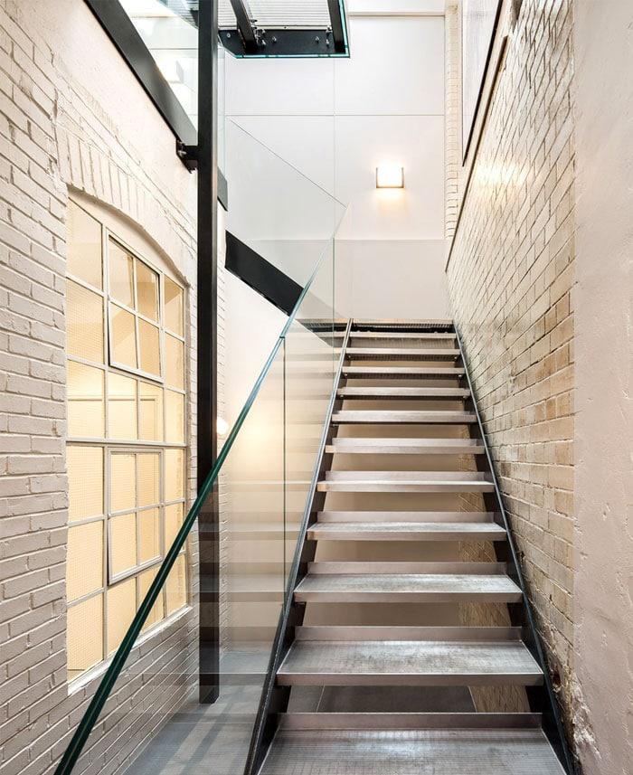 escalier-metal-verre