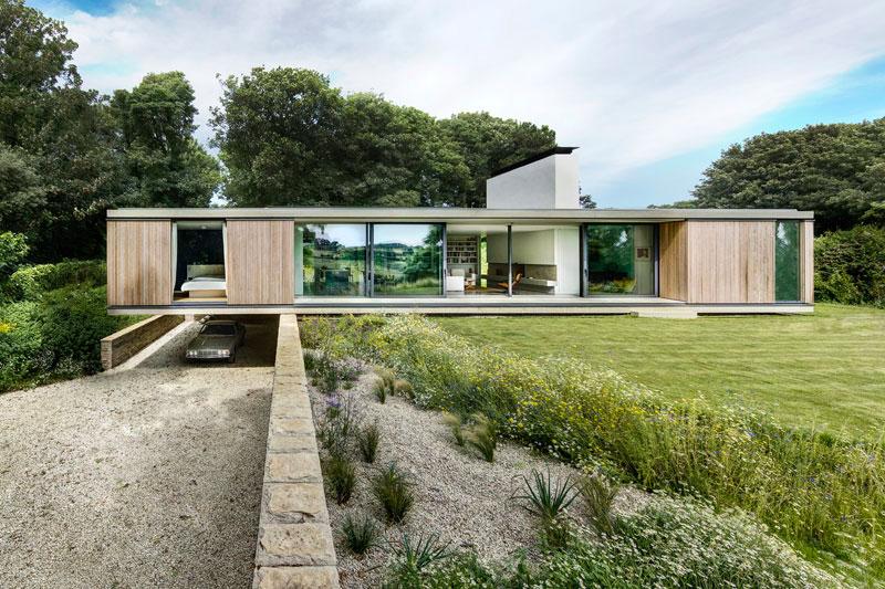 Remplacer un bungalow par une maison contemporaine de plain pied