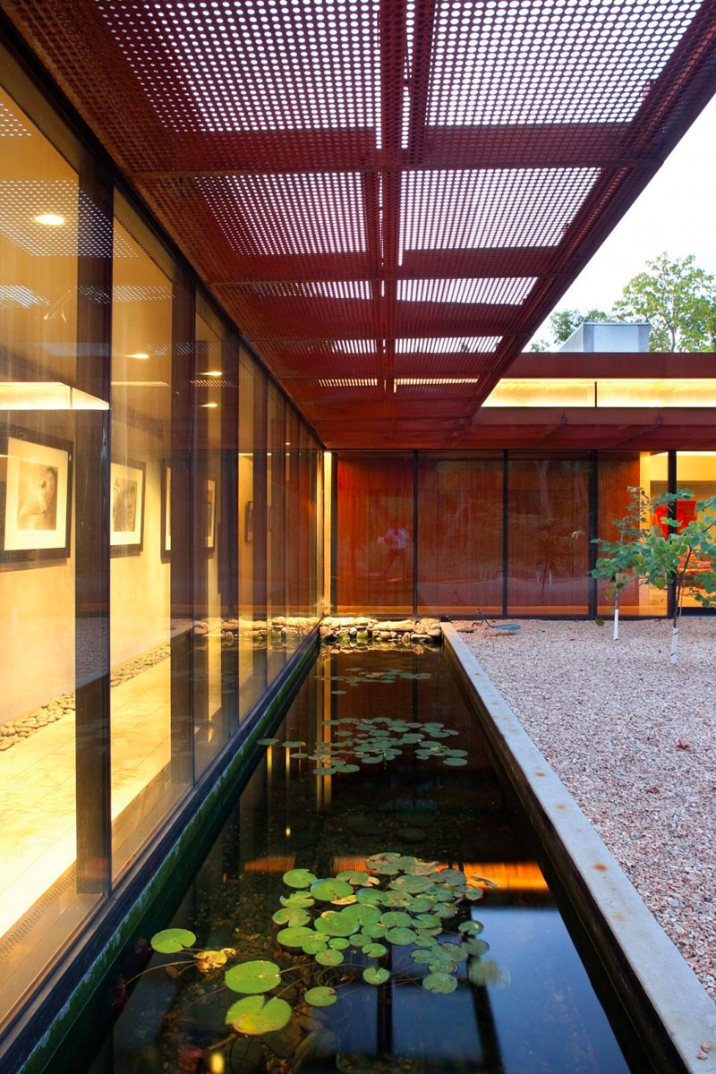 bassin de jardin 8 id es pour cr er un bassin aquatique contemporain. Black Bedroom Furniture Sets. Home Design Ideas