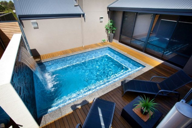 mini-piscine-avec-cascade
