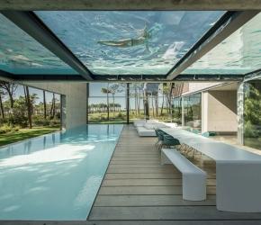 piscine interieure exterieure