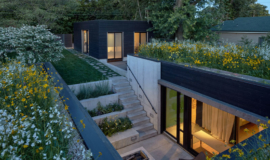 maison-moderne-toit-terrasse-vegetalise