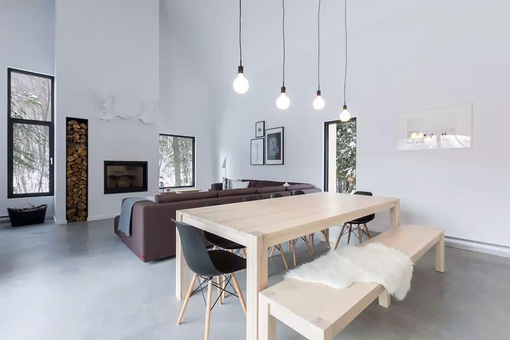 airbnb louer un chalet contemporain minimaliste en bois. Black Bedroom Furniture Sets. Home Design Ideas