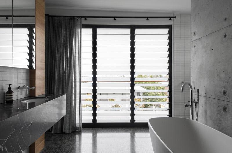 salle-bains-murs-beton