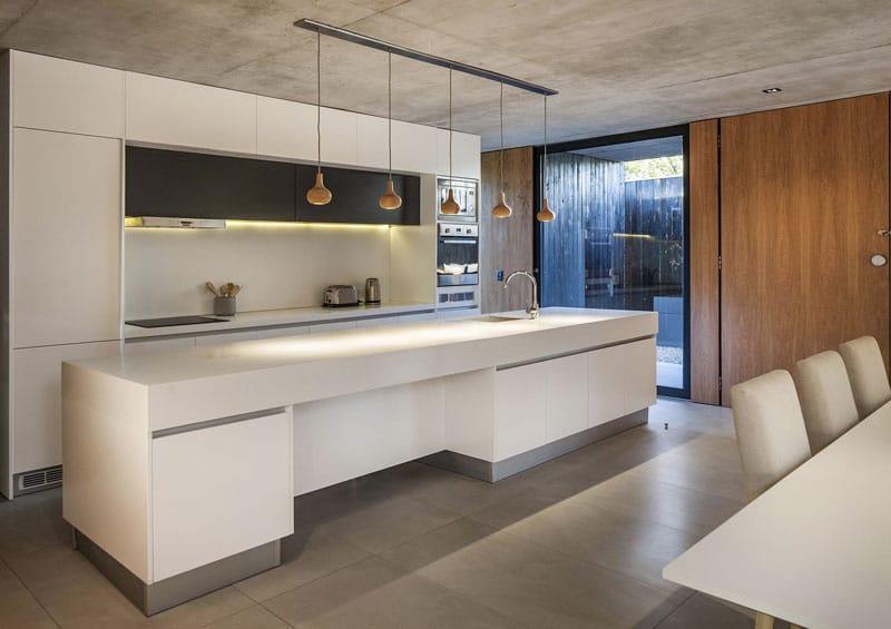 cuisine-minimaliste-ilot-blanc