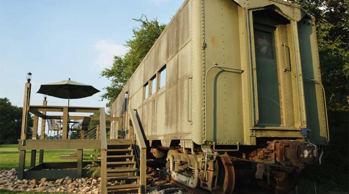 train-airbnb